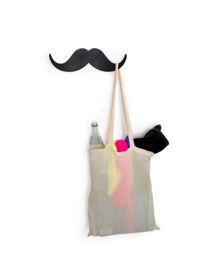 garderobe_moustache_gr_by_yeayea
